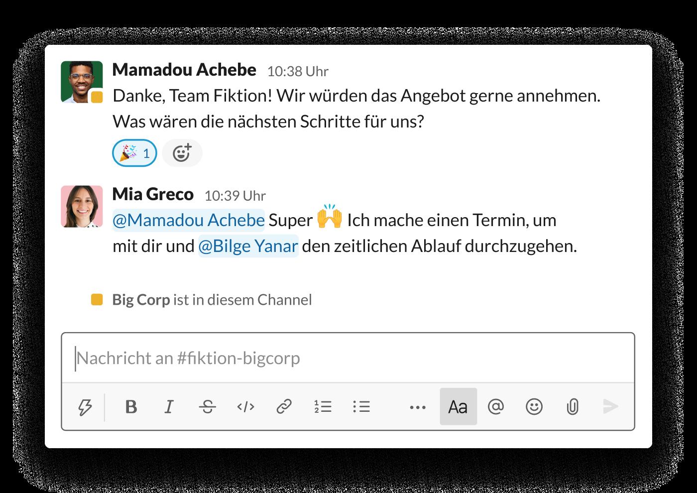 Zwei Unternehmen vereinbaren in einem Geteilten Slack-Channel die nächsten Schritte für ein Angebot
