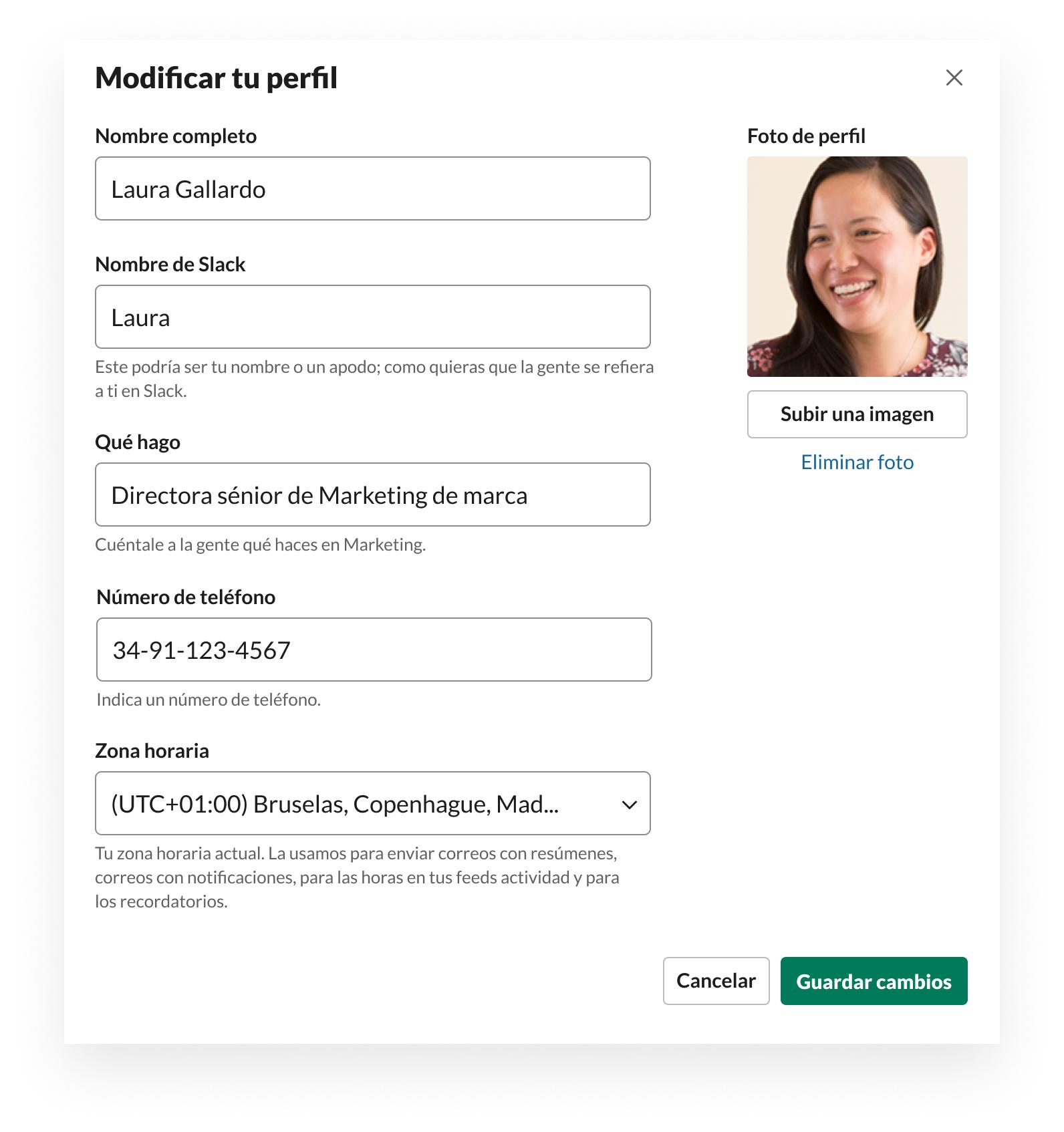 Interfaz de usuario de Slack que muestra cómo editar los datos del perfil, incluidos la foto, el nombre, el cargo, la zona horaria y el número de teléfono