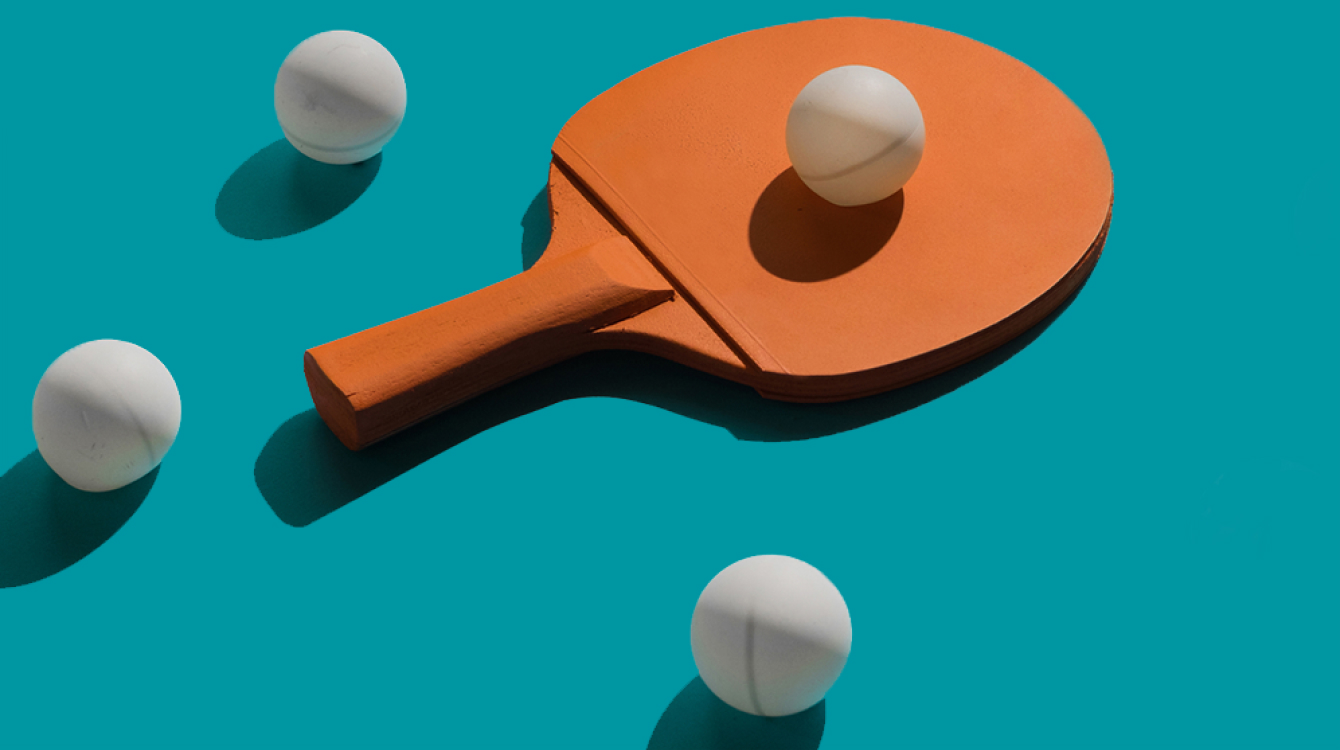 Table tennis paddle and balls